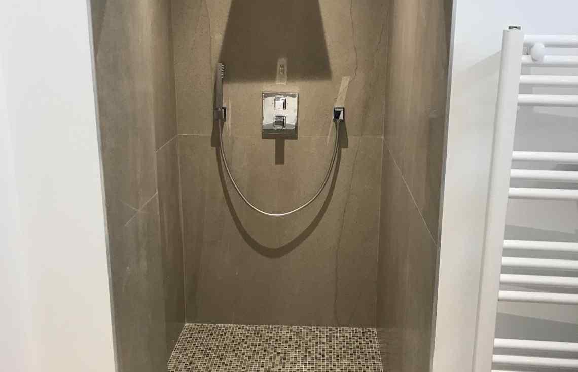 Faïence Carrelage Salle de bain réalisé par Luco & Bataller à Rennes