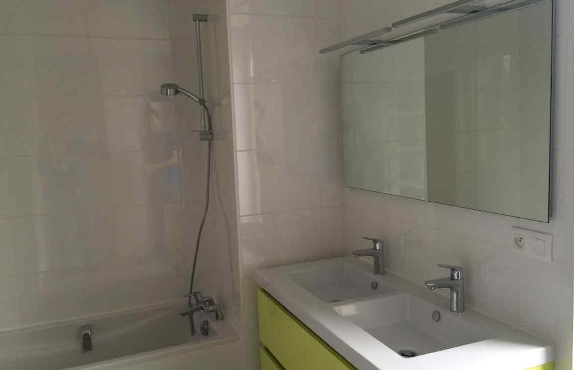 Carrelage Décoration intérieure Faïence Salle de bain réalisé par Luco & Bataller à Redon