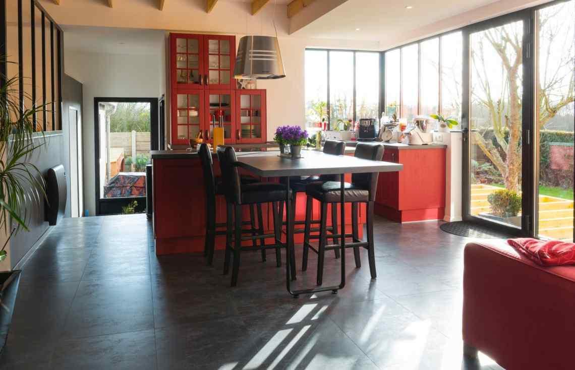 Carrelage Décoration intérieure Faïence Cuisine Verrière intérieure réalisé par Luco & Bataller à Cancale